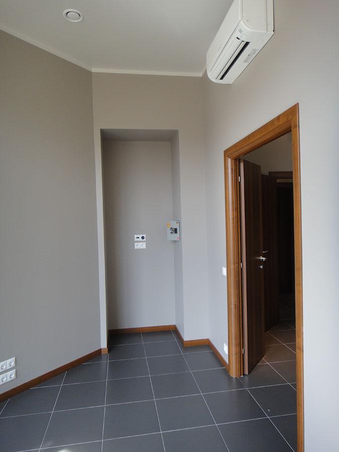 Часть офиса (112,1 кв.м.) - Комнаты справа по коридору. Вторая комната